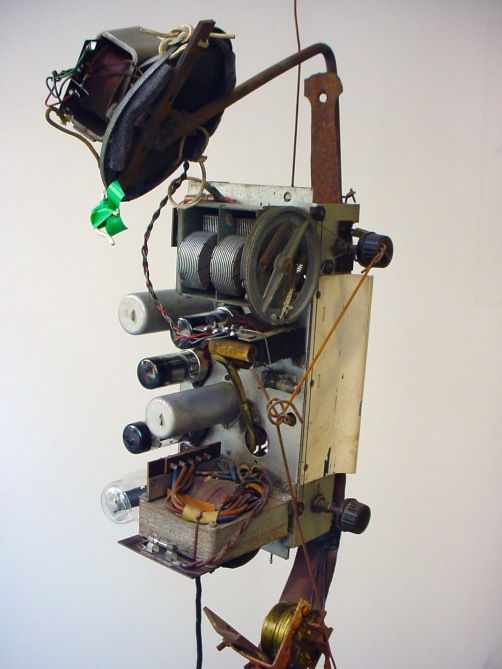 tinguely-jn-photo-radio-sculpture-1962